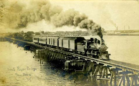 Postcard image of the Trent River Bridge, New Bern, N.C., ca. 1906. From NC Postcards, UNC-Chapel Hill.