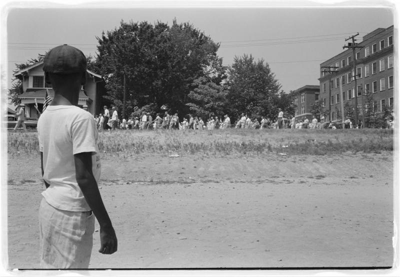 Little Rock, 1959. Mob marching from capitol to Central High