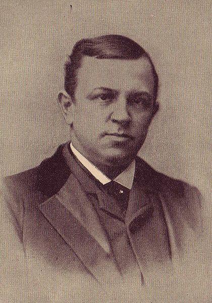 "<img typeof=""foaf:Image"" src=""http://statelibrarync.org/learnnc/sites/default/files/images/420px-henry-grady-1890.jpg"" width=""420"" height=""600"" alt=""Henry Grady"" title=""Henry Grady"" />"