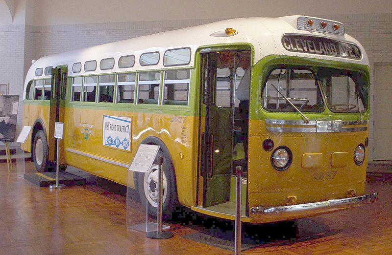 "<img typeof=""foaf:Image"" src=""http://statelibrarync.org/learnnc/sites/default/files/images/800px-rosa_parks_bus.jpg"" width=""800"" height=""522"" />"