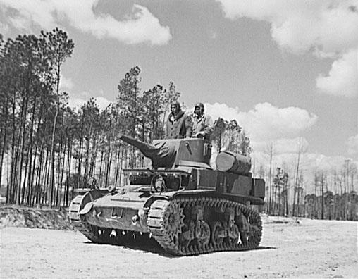 "<img typeof=""foaf:Image"" src=""http://statelibrarync.org/learnnc/sites/default/files/images/8d28243u.jpg"" width=""508"" height=""396"" alt=""African American Marines during World War II"" title=""African American Marines during World War II"" />"