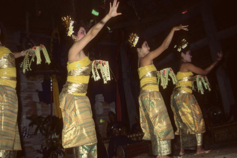"""<img typeof=""""foaf:Image"""" src=""""http://statelibrarync.org/learnnc/sites/default/files/images/bali_230.jpg"""" width=""""1024"""" height=""""686"""" alt=""""Four Balinese girls"""" title=""""Four Balinese girls"""" />"""