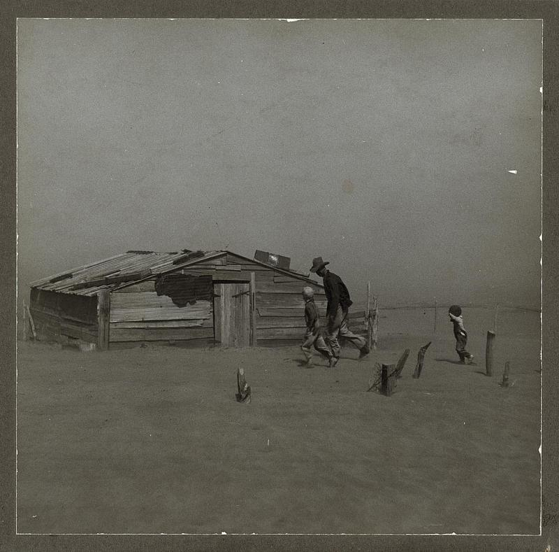 "<img typeof=""foaf:Image"" src=""http://statelibrarync.org/learnnc/sites/default/files/images/dust_storm.jpg"" width=""1024"" height=""1010"" alt=""Oklahoma dust storm, 1936"" title=""Oklahoma dust storm, 1936"" />"