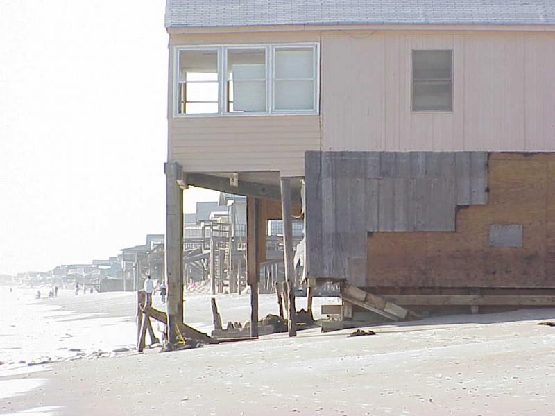 "<img typeof=""foaf:Image"" src=""http://statelibrarync.org/learnnc/sites/default/files/images/hurricane_oak_isld.jpg"" width=""1024"" height=""768"" alt=""Floyd Damage on Oak Island"" title=""Floyd Damage on Oak Island"" />"