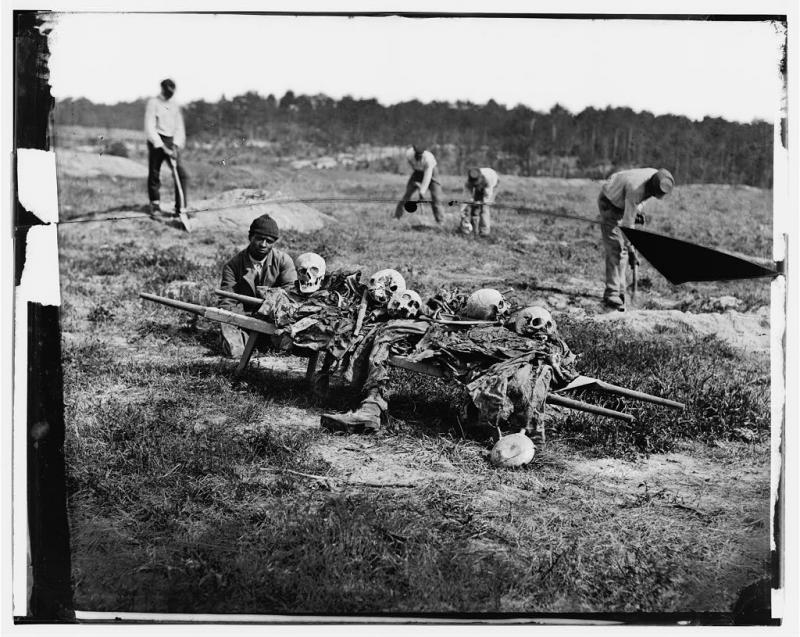 Removing dead Civil War soldiers