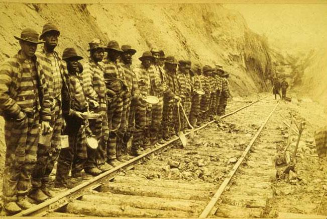 """<img typeof=""""foaf:Image"""" src=""""http://statelibrarync.org/learnnc/sites/default/files/images/rrconvictlabor.jpg"""" width=""""651"""" height=""""435"""" alt=""""Convict labor working on a railroad"""" title=""""Convict labor working on a railroad"""" />"""
