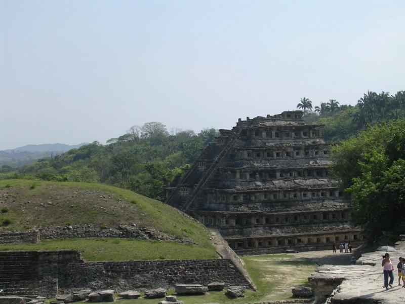 "<img typeof=""foaf:Image"" src=""http://statelibrarync.org/learnnc/sites/default/files/images/ruins.jpg"" width=""1024"" height=""768"" alt=""Ruins of pyramid at Veracruz, Mexico"" title=""Ruins of pyramid at Veracruz, Mexico"" />"