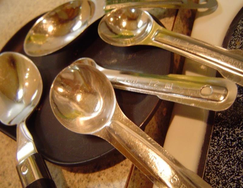 "<img typeof=""foaf:Image"" src=""http://statelibrarync.org/learnnc/sites/default/files/images/teaspoon.jpg"" width=""1024"" height=""793"" alt=""Measuring spoons"" title=""Measuring spoons"" />"