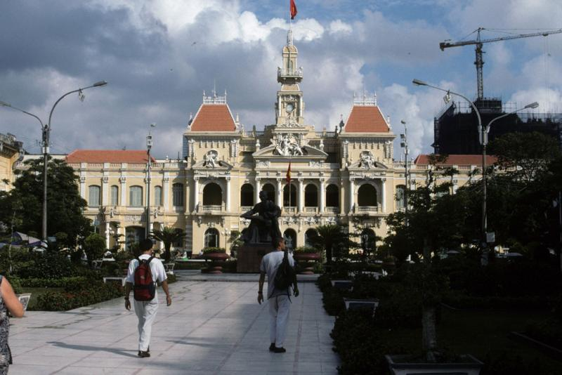 "<img typeof=""foaf:Image"" src=""http://statelibrarync.org/learnnc/sites/default/files/images/vietnam_050.jpg"" width=""1024"" height=""683"" alt=""French colonial era city hall, Ho Chi Minh City"" title=""French colonial era city hall, Ho Chi Minh City"" />"
