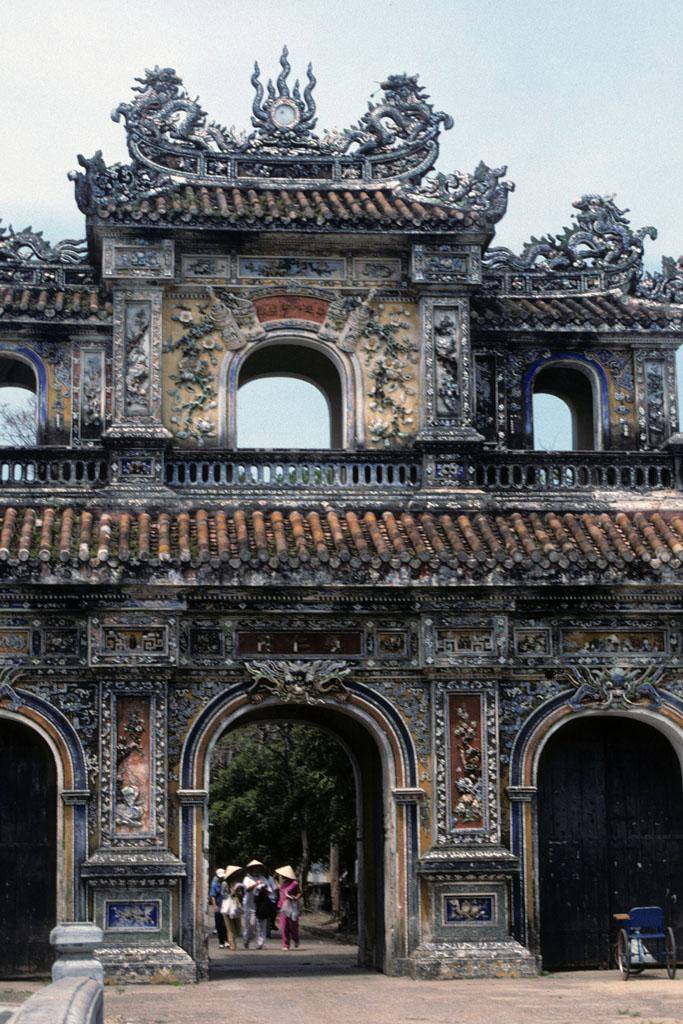 """<img typeof=""""foaf:Image"""" src=""""http://statelibrarync.org/learnnc/sites/default/files/images/vietnam_095.jpg"""" width=""""683"""" height=""""1024"""" alt=""""Ornately carved and painted Women's Gate into the Imperial City at Hue"""" title=""""Ornately carved and painted Women's Gate into the Imperial City at Hue"""" />"""