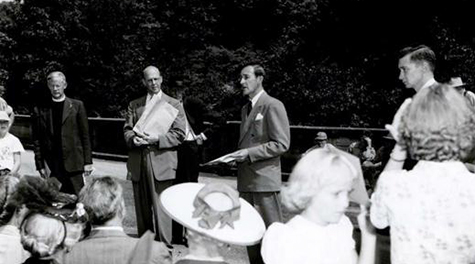 Hensleigh C. Wedgwood of the Wedgwood company, and great-great-great-great grandson of Josiah Wedgwood, speaks at the unveiling of a historical marker about Cherokee clay, 1950. From left to right, A. Rufus Morgan, Christopher C. Crittenden, Wedgewood, and William S. Powell. Image from the North Carolina Museum of History.