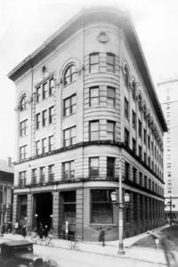 Durham Loan and Trust Building; Durham, W. Main St. ca. 1910. Image available from the Durham County Library, North Carolina Collection.