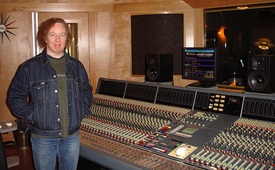 Mitch Easter at his recording studio The Fidelitorium, 2006. Image from Flickr user Flasshe.