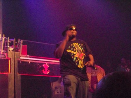 "Brady, Dom. ""Phonte performing in Atlanta, Georgia."" 2008. Wikimedia Commons."