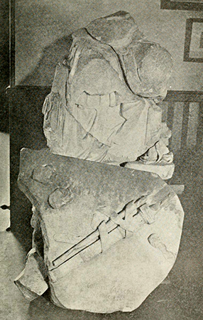 Ruins of Canova's Statue of Washington, 1910. Image from Archive.org.