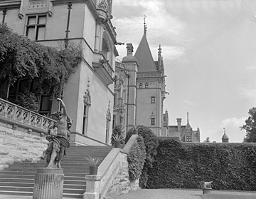 Biltmore House, Asheville, NC, 1950. From North Carolina Conservation and Development, Travel and Tourism photo files, North Carolina State Archives, call #: ConDev8333B.