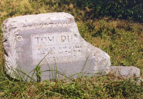 Tom Dula's grave. Image courtesy of NC Highway Historical Markers.