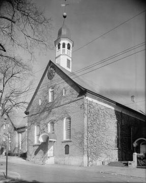 Home Moravian Church, built 1800, previously called the Gemein Haus in Old Salem, now Winston-Salem. Image courtesy of Library of Congress.