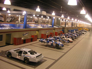Penske's NASCAR Garage in Mooresville, N.C., by Mrmiscellaneous. Licensed under CC BY 2.5 via Wikimedia Commons.