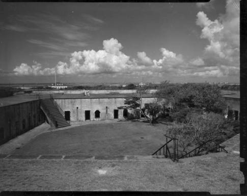 View of Fort Macon, circa 1950. From the North Carolina State Parks Collection, North Carolina Digital Collections. Used courtesy of the North Carolina Division of Parks and Recreation.