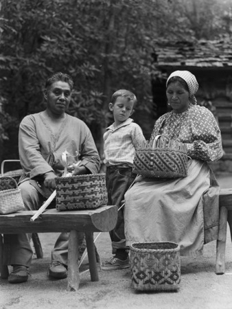 Cherokee basket weavers
