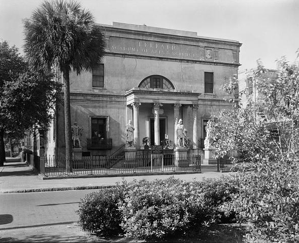 Image of the Telfair house in Savannah, Georgia, from Frances Benjamin Johnston, published in 1939 or 1944 by Nichols, Frederick Doveton, The Early Architecture of Georgia. Chapel Hill: Univ. of North Carolina Press, 1957. Presented on Library of Congress.