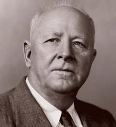 A photograph of Hugh Hammond Bennett. Image from the National Resources Conservation Service,  U.S. Department of Agriculture.