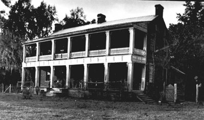 A photograph of the home of Thomas Brown, taken sometime between 1921 and 1941. Image courtesty the New Hanover County Public Library.