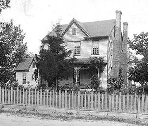 Photograph of William Richardson Davie's house in Halifax, circa 1900-1914. Image from the North Carolina Museum of History.