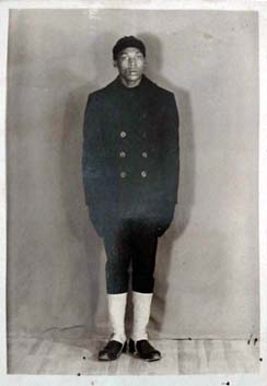 D.D. Garrett in the U.S. Navy, 1942-1943. From the Michael Garrett Family private collection. Used by permission.