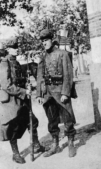 Kiffin Yates Rockwell and his brother Paul in French military uniforms, 1914. Image from the North Carolina Museum of History.