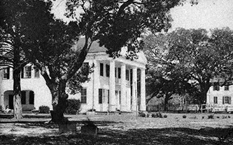 A photograph of the Orton plantation house, 1900. Image from the North Carolina Museum of History.
