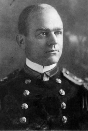 Photographic portrait of Lieutenant Adolphus Staton, USN, circa 1914.  Photo #NH 44786, from the U.S. Navy Naval History & Heritage Command.