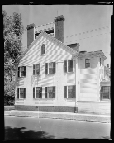"""Stevenson House, New Bern, Craven County, North Carolina,"" by Francis Benjamin Johnston, 1936.  From the Carnegie Survey of the Architecture of the South, Library of Congress, Prints & Photographs Online Catalog.  Washington owned the Stevenson House in New Bern."