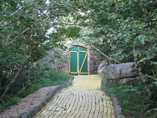Door to the Land of Oz. Image courtesy of Flickr user _Rockinfree.