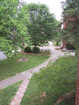 Lenoir Rhyne Campus. Image courtesy of Flickr user Laura Heller.