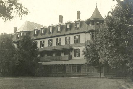 Mountain Park Hotel, Hot Springs, NC during WWI, ca. 1917/1918. Image courtesy of ibiblio.
