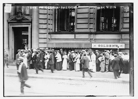 """Run on German American Bank."" 1907-1914. Image courtesy of Library of Congress."