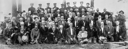 A reunion of Confederate veterans near Brevard, 1911. North Carolina Collection, University of North Carolina at Chapel Hill Library.